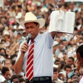 """Alvo de ações de despejo, Pastor Valdemiro Santiago culpa """"Exu Corona"""" por não pagar aluguel deigrejas"""