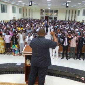 Bispos e pastores da Universal em Angola tomam controle de templos e rompem com direçãobrasileira