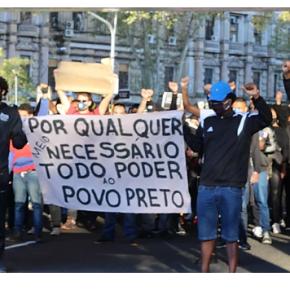 """MANIFESTAÇÃO """"VIDAS NEGRAS IMPORTAM"""" EM PORTO ALEGRE, REÚNEMILHARES"""