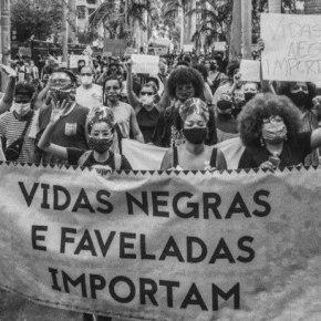 Senador Paim aponta omissão do Estado Brasileiro na defesa da populaçãonegra