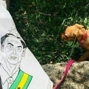 BozoBag: Empresa cria saco com rosto de Bolsonaro para coletar cocô decachorro