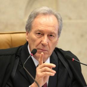 Lewandowski aponta a quebra de imparcialidade de Sérgio Moro. Ele fraudou processo contra Lula pra elegerBolsonaro!