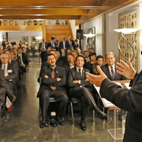 Após 5 anos de devassa, Lava Jato de Curitiba admite que palestras de Lula eramlegais