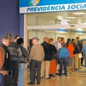 Governo quer congelar salário de aposentados por 2 anos, mesmo com comida aumentando mais de 20% em 3meses