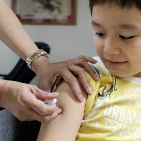 A vacinação não é só direito. É obrigação de todos, por que previne doenças e Salva Vidas. Por isto esta naLei!
