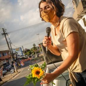 Depois de  ataques misóginos em debate e de show de apoio de Caetano Veloso, Manuela desabafa nasRedes
