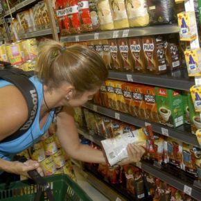 Com preços subindo e auxílio emergencial menor, brasileiros comem menos emal