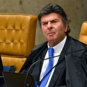 Em Sessão ao vivo, Juiz do STF declama poema de auto ajuda e mente dizendo que é de Carlos Drummond deAndrade