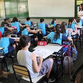 Quinze dias após reuniões presenciais, três professoras de Curitiba morrem decovid.