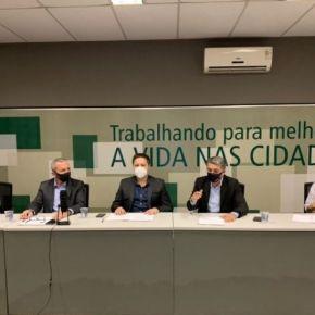Diante da omissão de Bolsonaro, Frente de Municípios do RS formaliza termo para compra de Vacinas contraCOVID-19