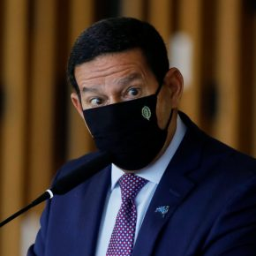 Mourão tenta justificar o injustificável e militares aparelham e desvirtuam instituições, diz JoséDirceu