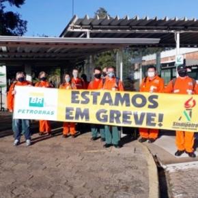 Petroleiros fazem greve contra privatização da SIX, Usina de Xisto da Petrobras, noParaná