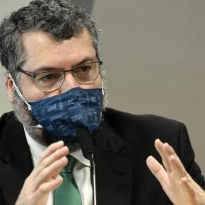 Governo não pediu e nem auxiliou e entrega de oxigênio da Venezuela para Manaus, confessa ErnestoAraújo