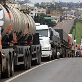 Com Diesel custando mais que o Dobro, Greve de caminhoneiros é convocada para o dia 25 dejulho