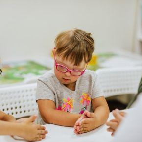 Decreto de Bolsonaro que aparta alunos com deficiência dos demais nas escolas, é retrocesso de 30 anos oumais