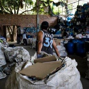 Com redução da Coleta Seletiva e apenas 4,5% do lixo reciclado, Porto Alegre perde dinheiro e empregos, além do prejuízoambiental
