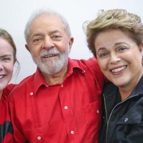 """""""Desesperado por votos"""", Ciro Gomes """"só é notícia ofendendo Lula e Dilma"""", diz GleisiHoffmann"""